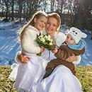 Winterhochzeit in Sachsen - Braut mit Kindern