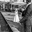 After-wedding-shooting auf einem Bahnhof in Meuselwitz