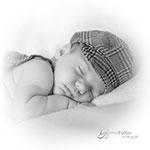 ein Neugeborenes Baby - schlafend in Bad Elster